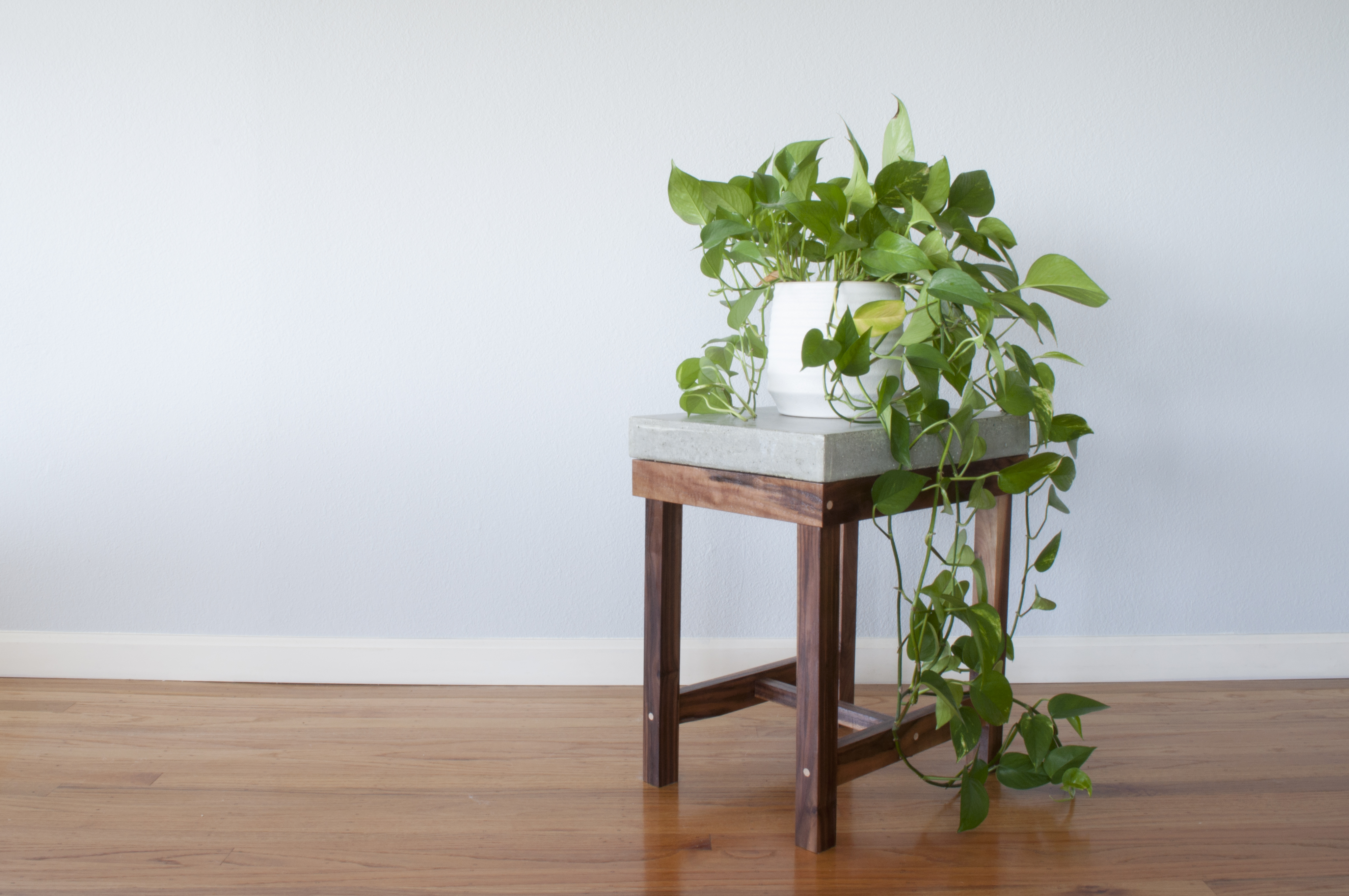 concrete-end-table_high-res